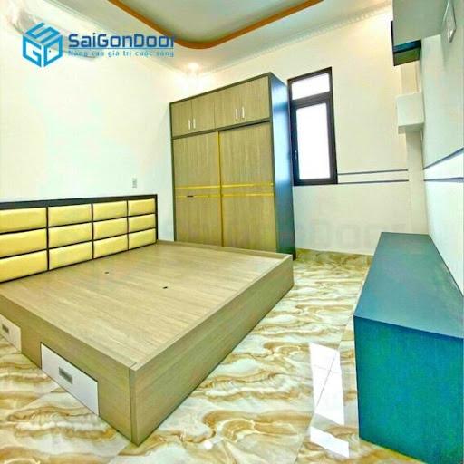 Tủ quần áo đặt theo yêu cầu được làm từ gỗ công nghiệp tại SaiGonDoor